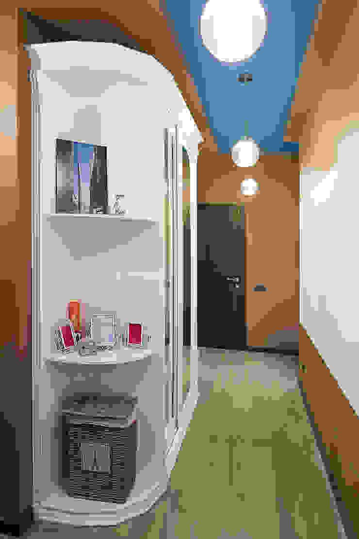 Квартира 74 Коридор, прихожая и лестница в классическом стиле от Cameleon Interiors Классический