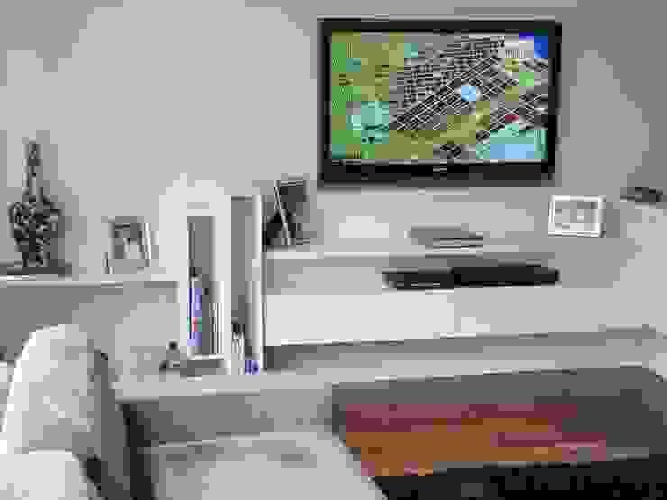 detalhe móvel home theater por Arquitetura Juliana Fabrizzi Moderno