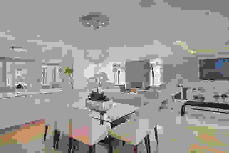Casa Itu Salas de jantar modernas por Designer de Interiores e Paisagista Iara Kílaris Moderno