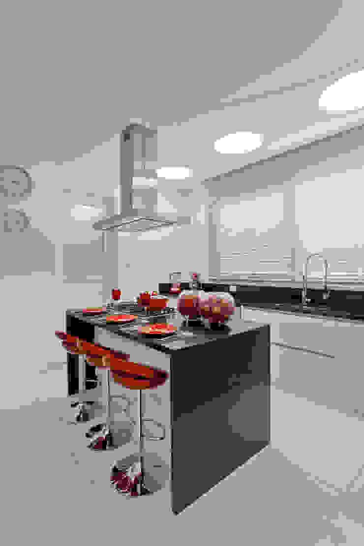 Casa Itu Cozinhas modernas por Designer de Interiores e Paisagista Iara Kílaris Moderno