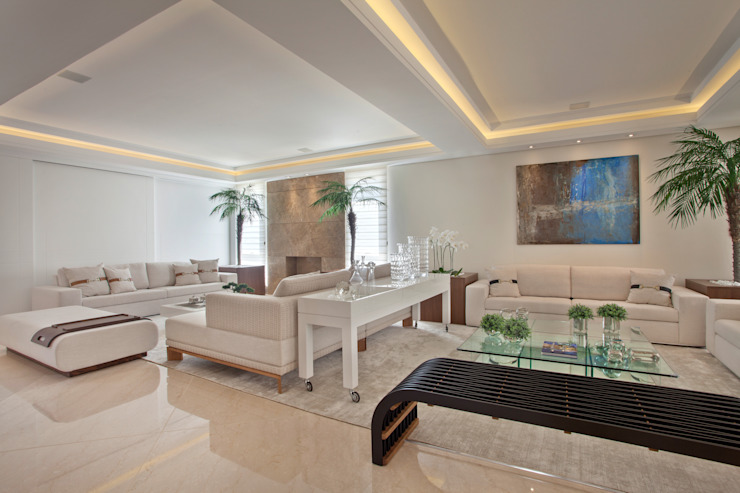 Living room by Designer de Interiores e Paisagista Iara Kílaris,