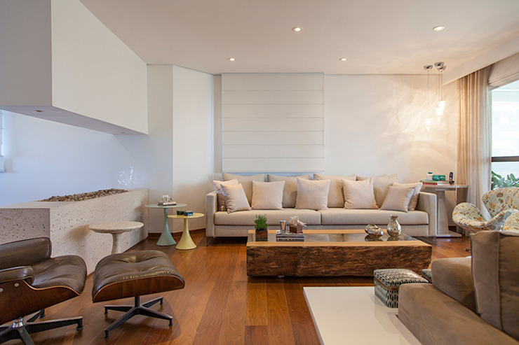 Living room by Helô Marques Associados, Classic