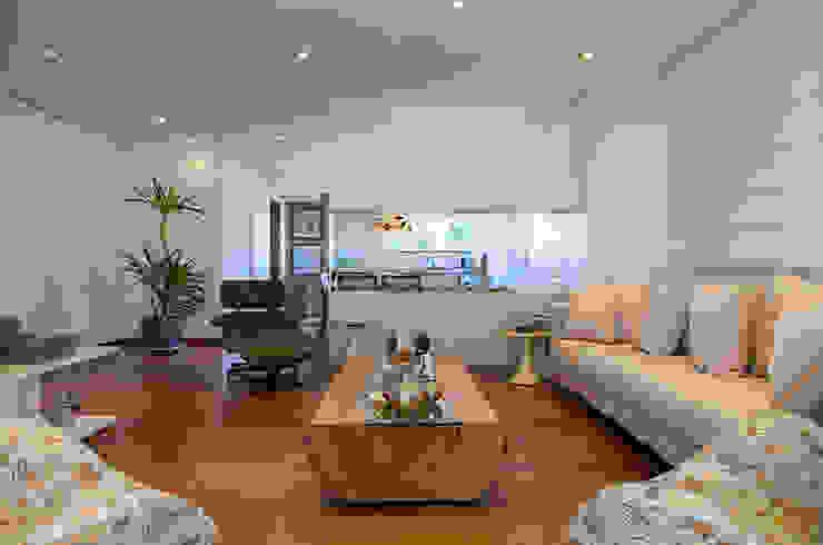 غرفة المعيشة تنفيذ Helô Marques Associados