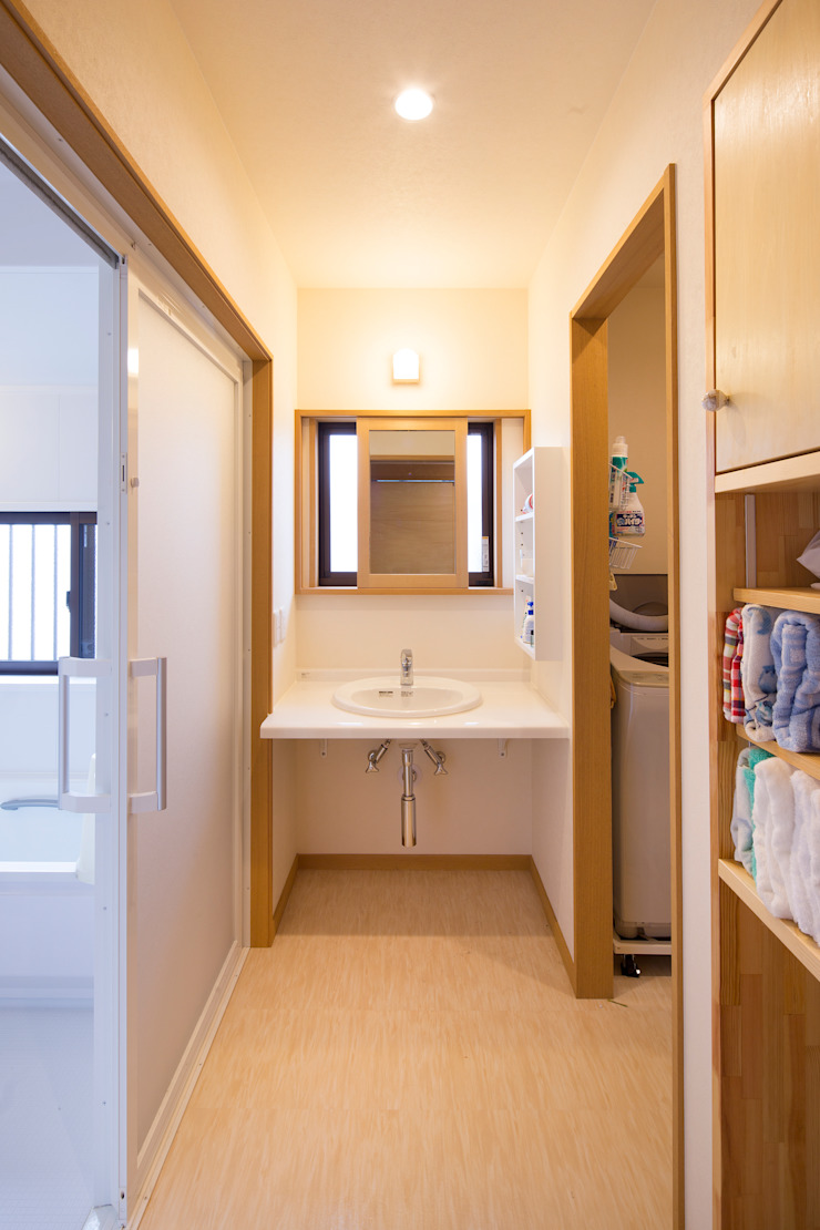 洗面所 オリジナルスタイルの お風呂 の 志賀建築設計室 オリジナル