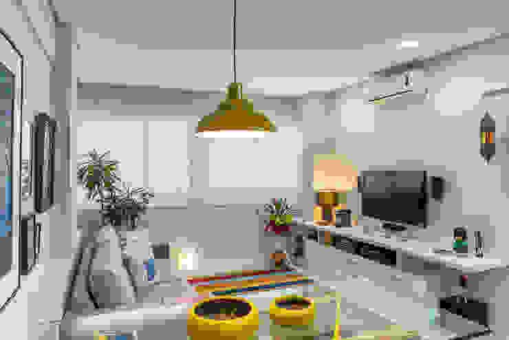 Sala estar e jantar Salas de estar modernas por Milla Holtz & Bruno Sgrillo Arquitetura Moderno