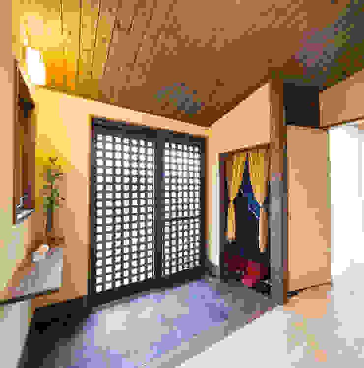 玄関 アジア・和風の 窓&ドア の 志賀建築設計室 和風