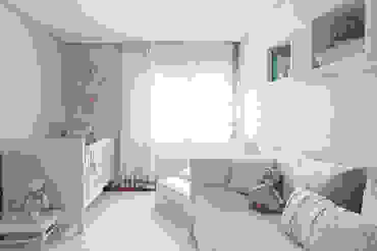 Klasyczny pokój dziecięcy od BMG Arquitetura Klasyczny
