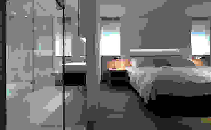 I house モダンスタイルの寝室 の ATELIER A+A モダン