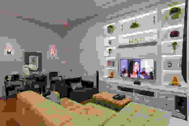 Projeto Residencial Salas de estar clássicas por Dani Santos Arquitetura Clássico