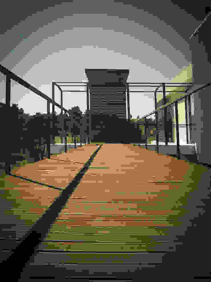 Habitação - Trancoso 11 Casas modernas por ARKIVO Moderno