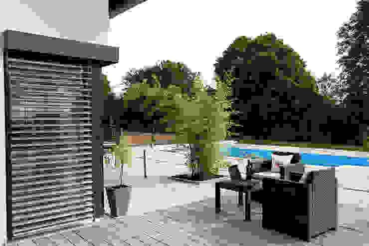Balcones y terrazas modernos de FingerHaus GmbH - Bauunternehmen in Frankenberg (Eder) Moderno
