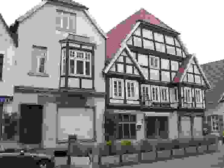 Straßenfassade vorher von Gröne Architektur GmbH