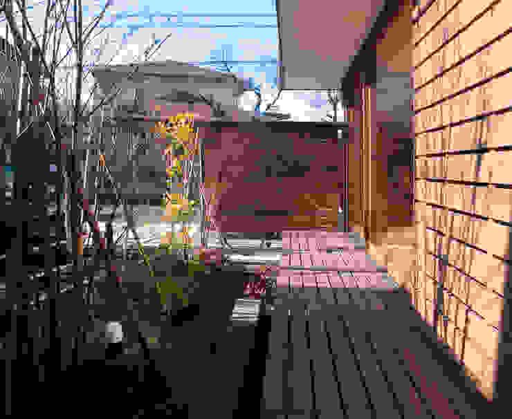 松原正明建築設計室 Modern style balcony, porch & terrace