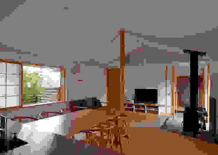 Phòng khách theo 松原正明建築設計室, Hiện đại