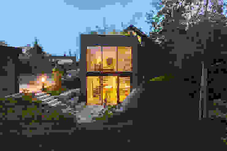 Casas estilo moderno: ideas, arquitectura e imágenes de von Mann Architektur GmbH Moderno