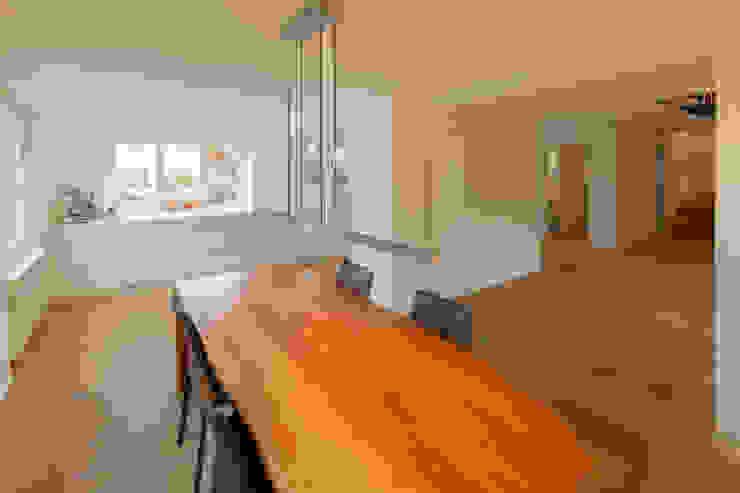 von Mann Architektur GmbH Sala da pranzo moderna