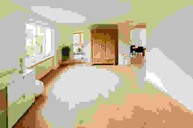 Wohnzimmer Moderne Wohnzimmer von von Mann Architektur GmbH Modern