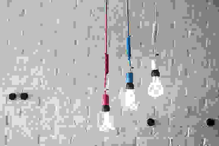 Lampy wiszące imindesign z żarówkami Plumen od IMIN Nowoczesny