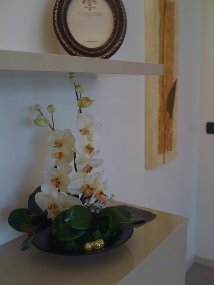 MARA GAGLIARDI 'INTERIOR DESIGNER' Corridor, hallway & stairs Accessories & decoration