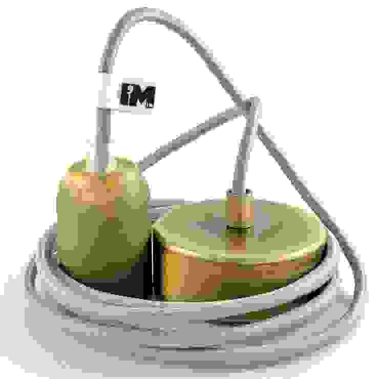 Industrialna lampa wisząca z mosiężną oprawką i podsufitką od IMIN Industrialny