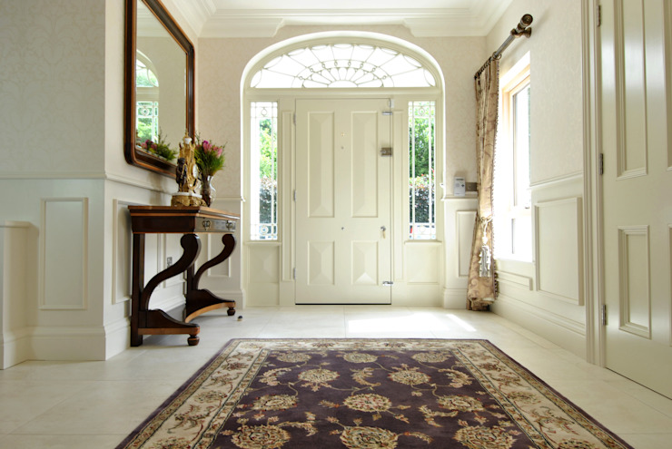 Corridor, hallway & stairs  by CLAIRE HAMMOND INTERIORS,