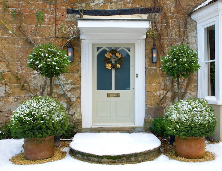 Traditional Front Door:  Houses by Shine Lighting Ltd