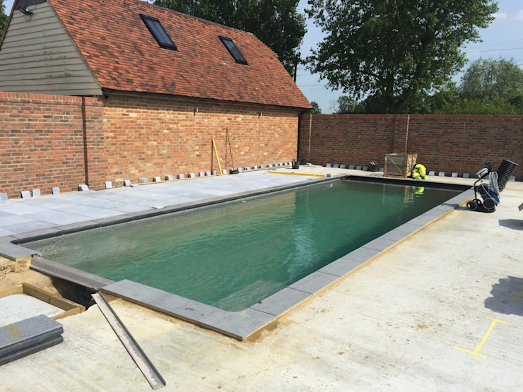 Paving going down: modern  by XL Pools Ltd, Modern