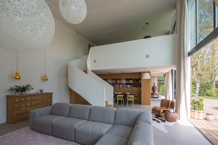 Splitlevel: modern  door ara | antonia reif architectuur, Modern