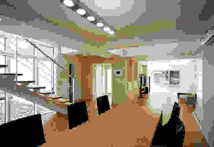 Modern living room by (주)건축사사무소 아뜰리에십칠 Modern