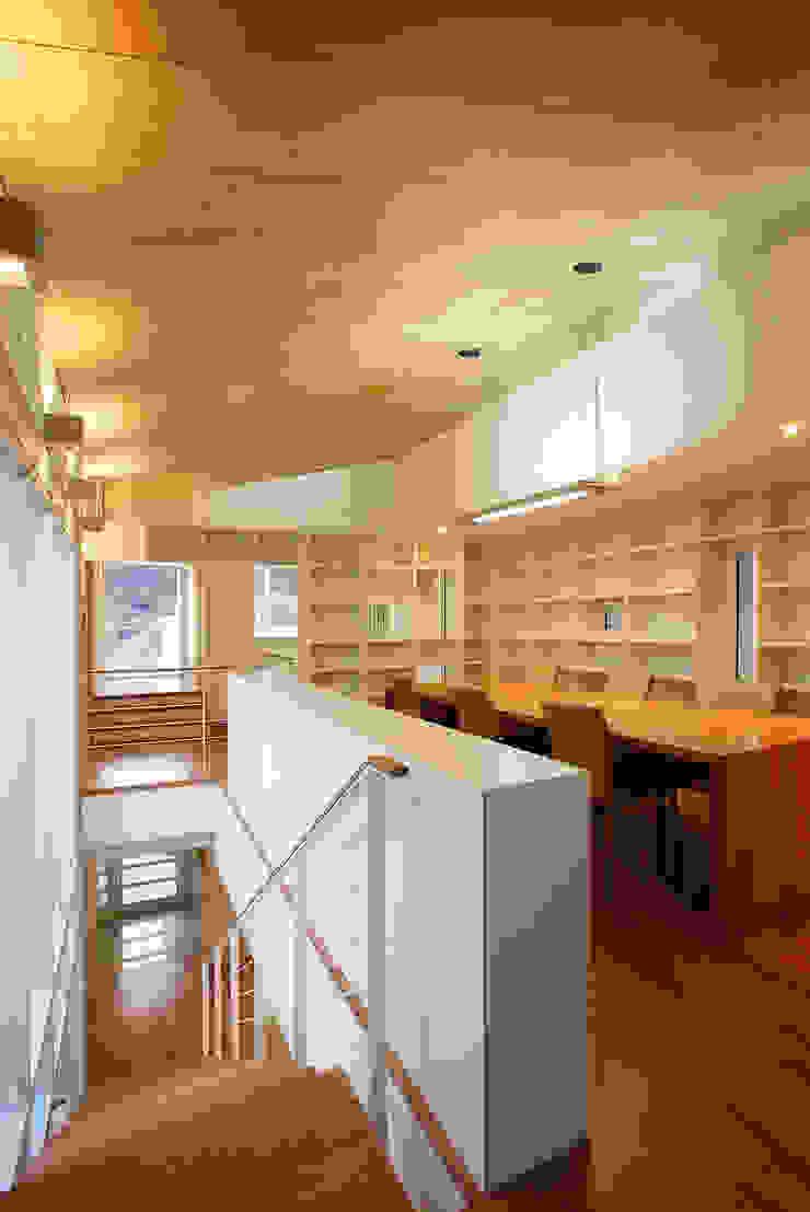Ruang Studi/Kantor Modern Oleh (주)건축사사무소 아뜰리에십칠 Modern