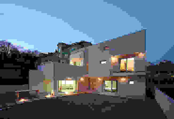 인천 검암동 주택: (주)건축사사무소 아뜰리에십칠의  주택,모던