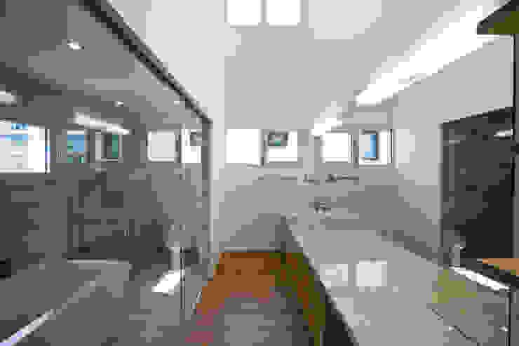 Modern Banyo (주)건축사사무소 아뜰리에십칠 Modern