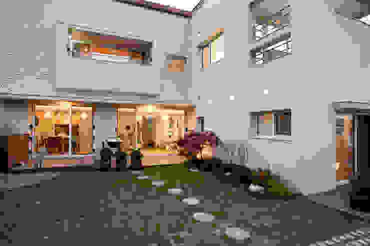 판교 호연당(好緣堂)주택: (주)건축사사무소 아뜰리에십칠의  주택,모던