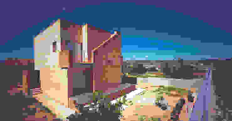 Fachada a jardín Casas de estilo mediterráneo de AGUA_architects Mediterráneo