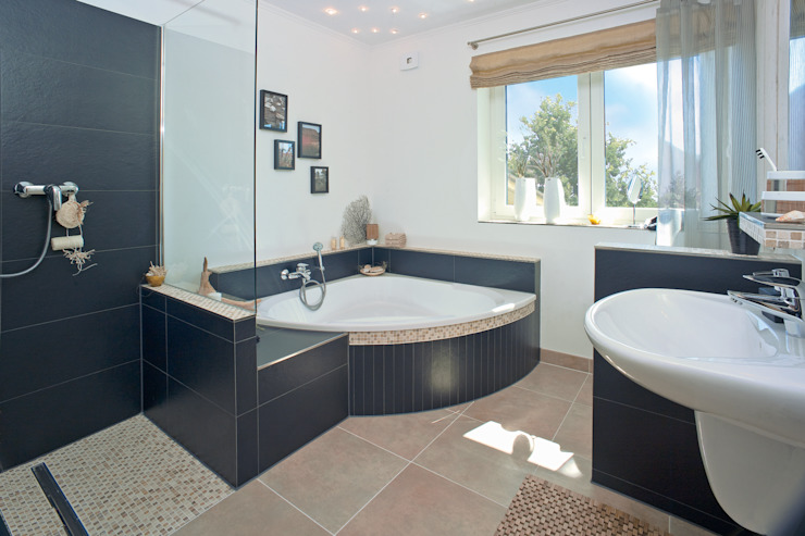 Bathroom by Danhaus GmbH, Country