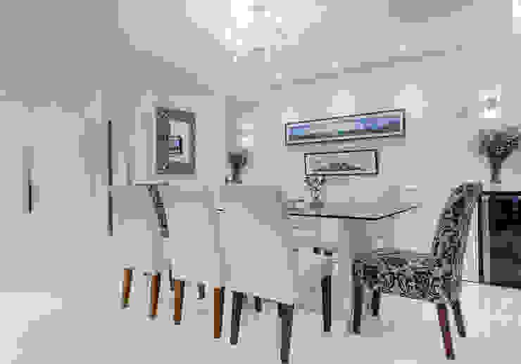 Sala de Jantar Salas de jantar clássicas por Milla Holtz & Bruno Sgrillo Arquitetura Clássico