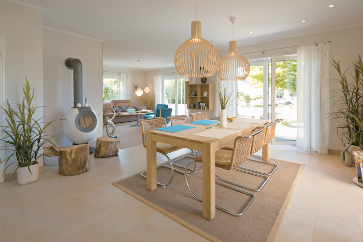 Dining room by Danhaus GmbH, Country