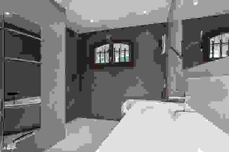 Baños de estilo  de Pixcity, Moderno