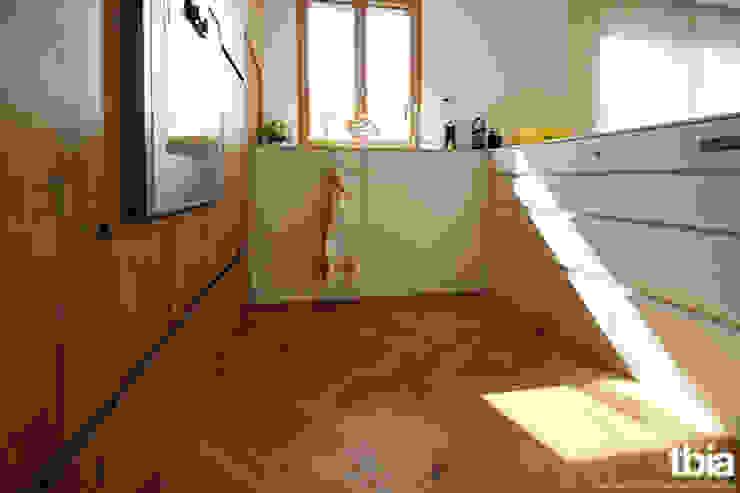 tbia - Thomas Bieber InnenArchitekten Cucina moderna