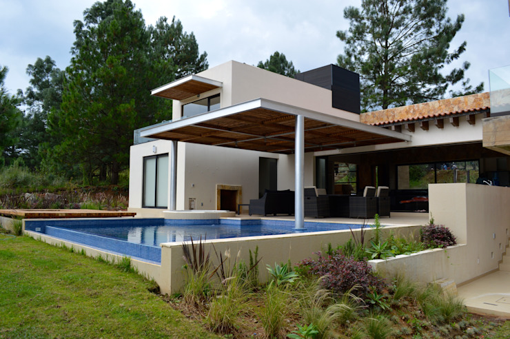 Modern Pool by Revah Arqs Modern