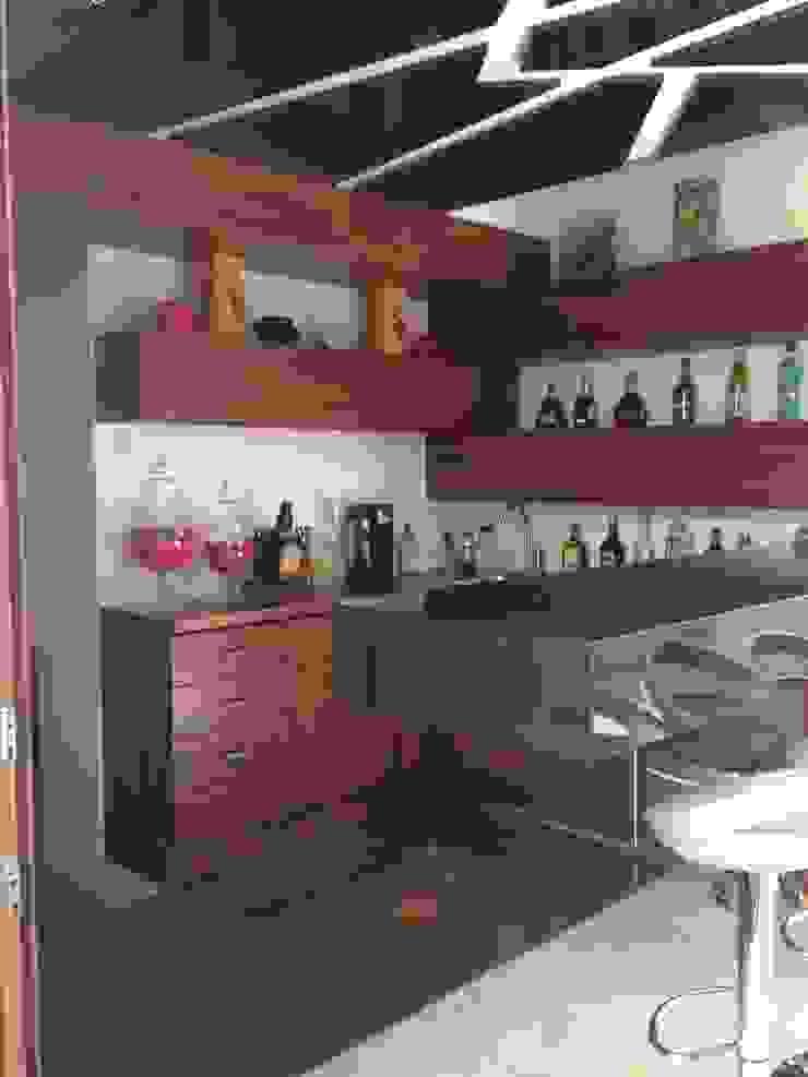casa 240 Salas multimedia modernas de Hussein Garzon arquitectura Moderno Madera Acabado en madera