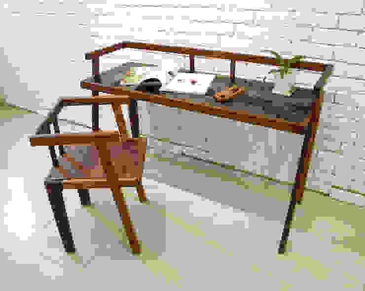Grase desk: Design-namu의 현대 ,모던 우드 우드 그레인