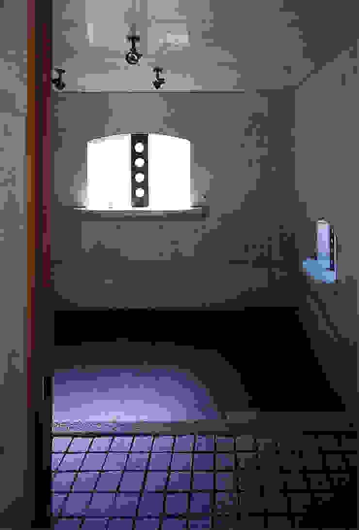 エントランス オリジナルな 壁&床 の 松井建築研究所 オリジナル