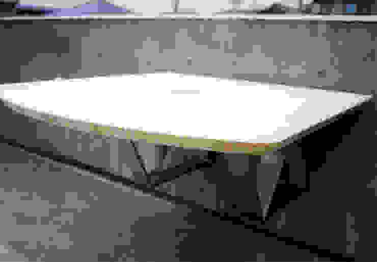屋外テーブル オリジナルな 庭 の 松井建築研究所 オリジナル