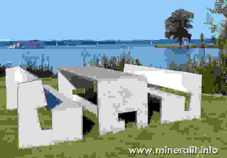 Jardines de estilo  por Mineralit - Mineralgusswerk Laage GmbH