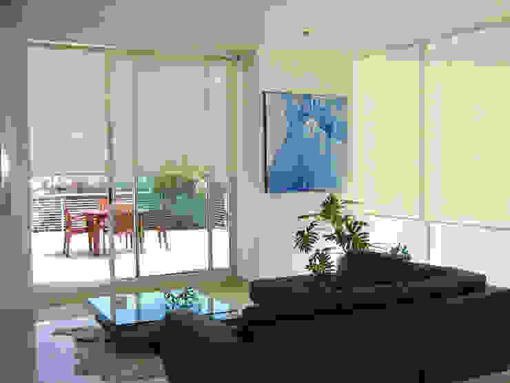 Cortinas Enrollables Salones modernos de Persianas La Sombra Moderno