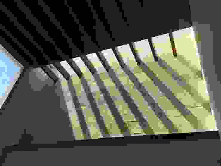 Casa en Interlomas Revah Arqs Salones modernos
