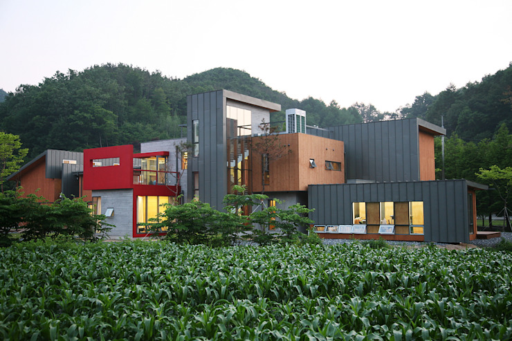 Exterior 모던스타일 주택 by KAWA Design Group 모던