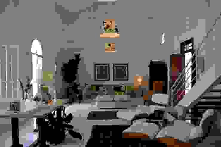 Casa Colonial Salas de estar coloniais por Helô Marques Associados Colonial