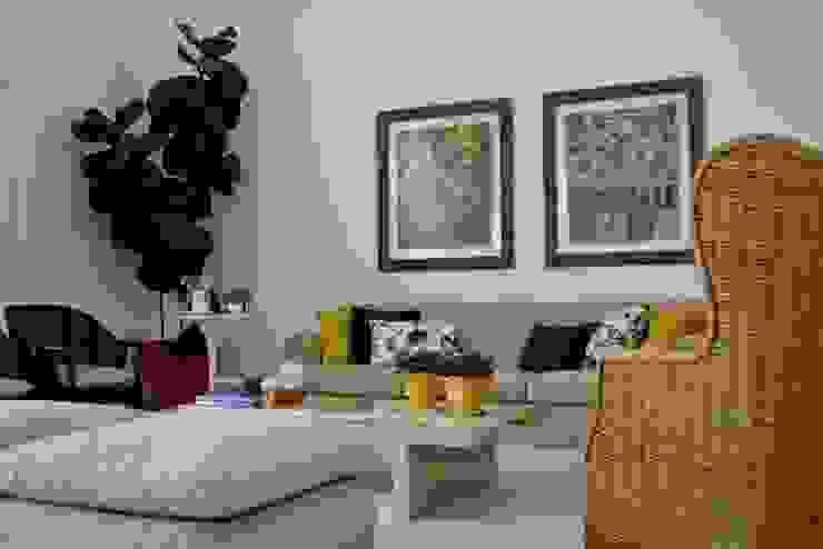 Casa Colonial Salas de estar campestres por Helô Marques Associados Campestre